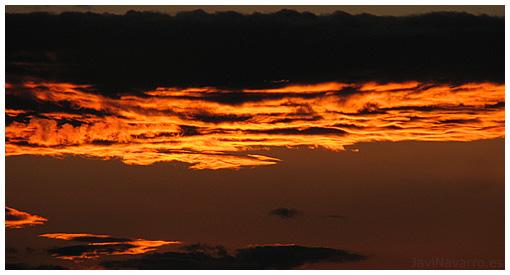 http://www.javinavarro.es/blog/ficherosPosts/Fotos/Cielos/PuestaDeSol.jpg