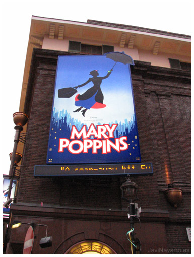Mary Poppins | Canon S2 IS