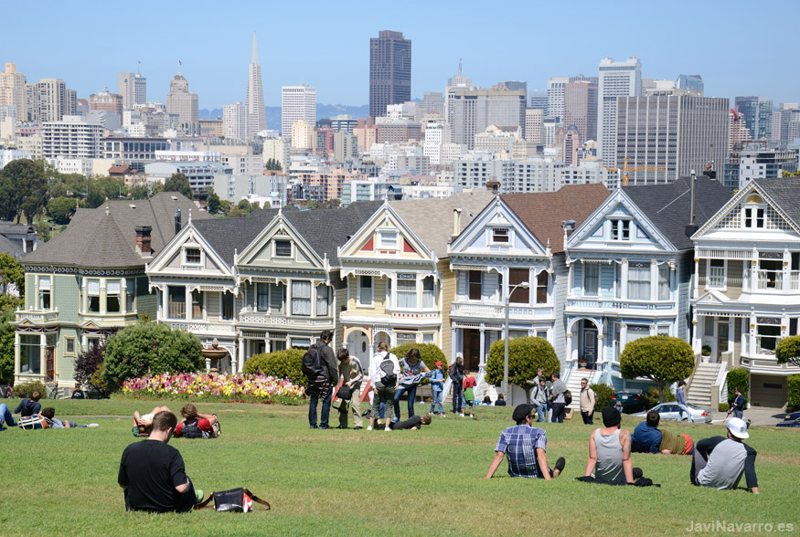 Alamo Square Painted Ladies || Nikon D7000 | 1/800s | f/8 | ISO 200 | a pulso